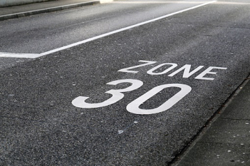 Zone 30km/h et place de parking